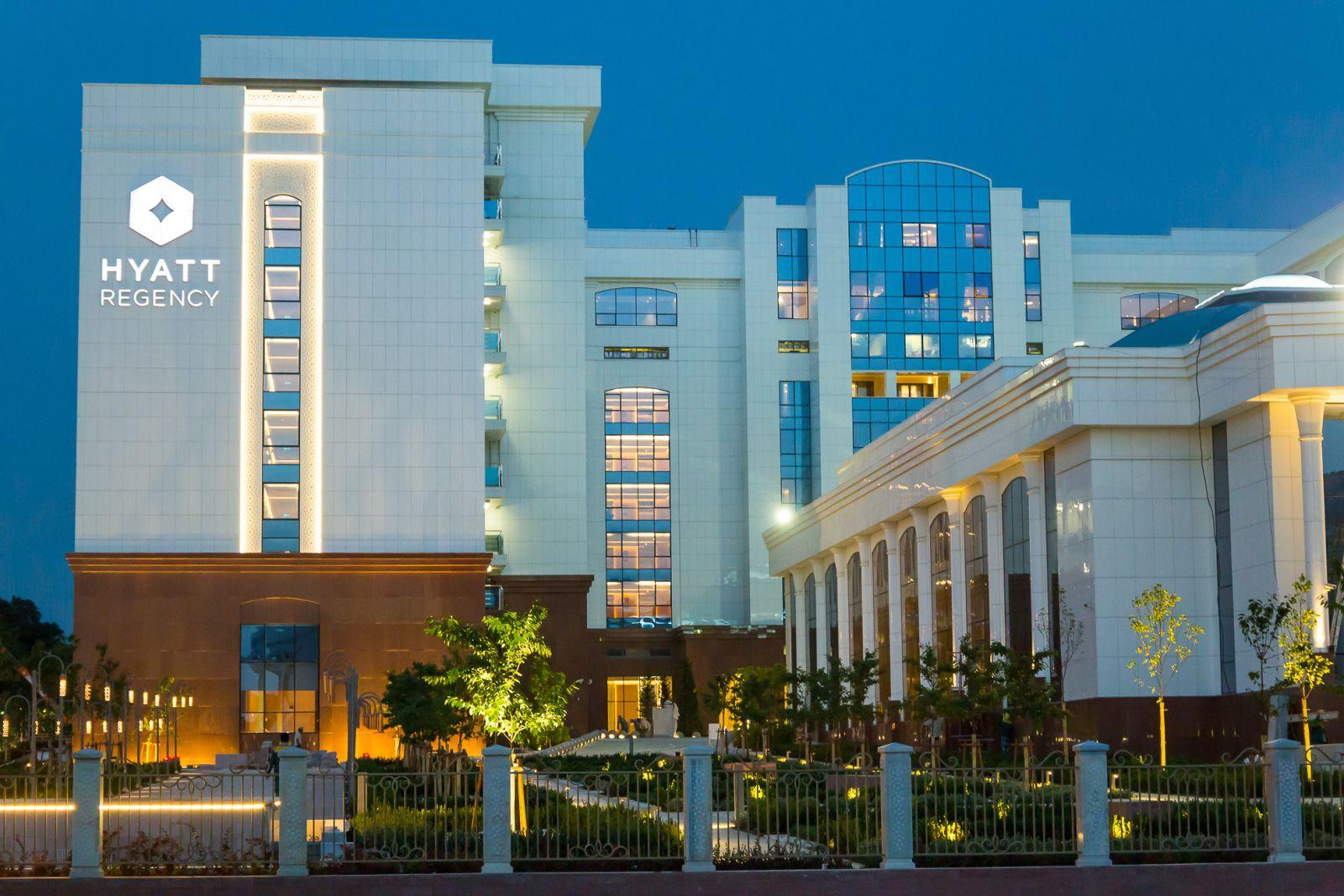 Гостиницы Узбекистана начали принимать оплату в сумах
