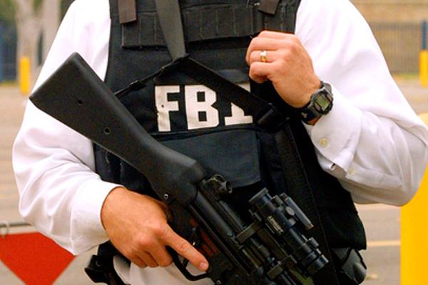 FQB Obamaga suiqasd uyushtirmoqchi bo'lgan erkakni qo'lga oldi