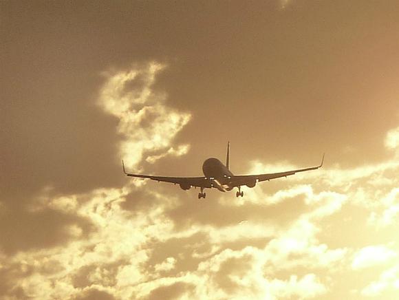 Миср Фуқаролик авиацияси EgyptAir самолёти ҳалокатга учраганини тасдиқлади
