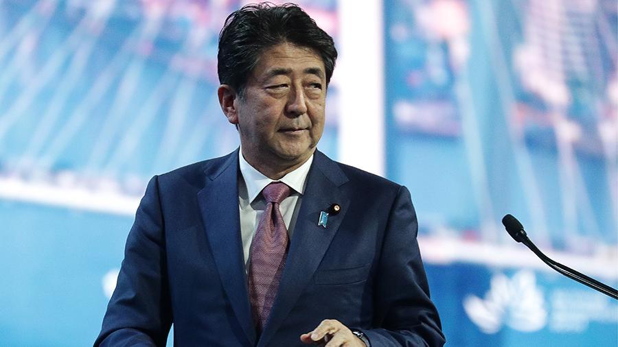 Синдзо Абэ Япония бош вазири лавозимини эгаллаш бўйича рекорд ўрнатди