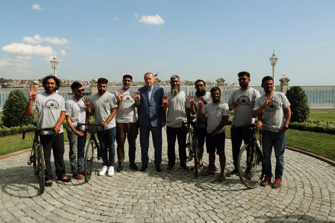 Мусулмонлар велосипедларда Ҳажга йўл олишди