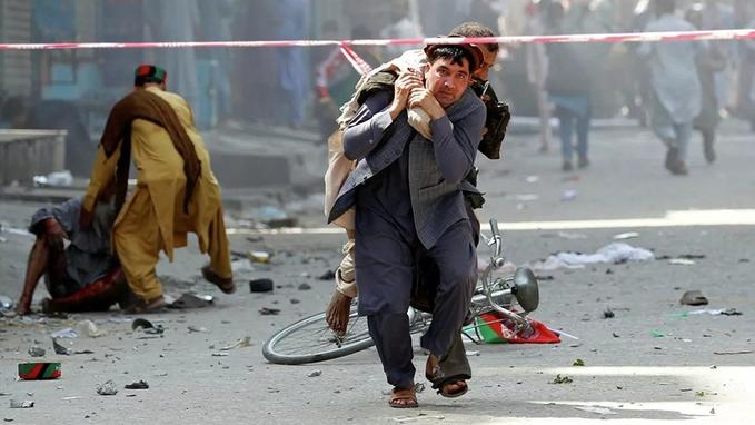 Афғонистонда президентнинг сайловолди кампаниясидаги чиқиши вақтида портлаш амалга оширилди. 25 киши ҳалок бўлди