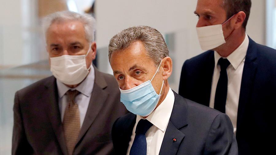 Коррупция учун судланган Николя Саркози яна суд олдида жавоб беради
