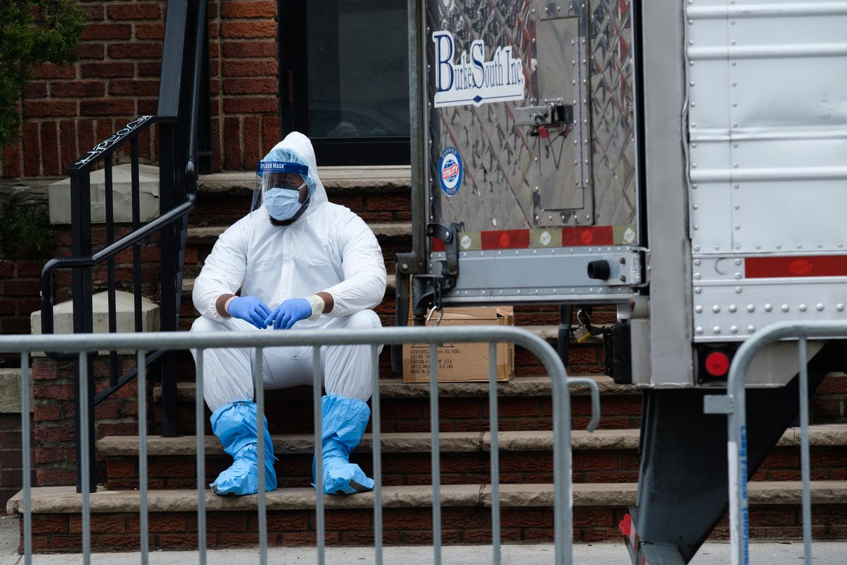 Пекин АҚШни пандемияга қарши курашга путур етказаётганликда айблади