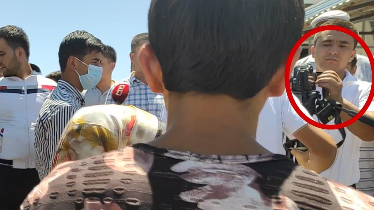 Иштихонда ҳокимлик матбуот хизмати ходими журналист камерасининг хотира картасини «еб қўйгани» айтилмоқда