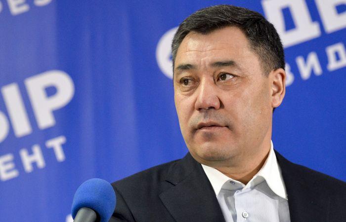 Қирғизистон президентининг фейсбукдаги аккаунтига бузиб кирилгани маълум қилинди