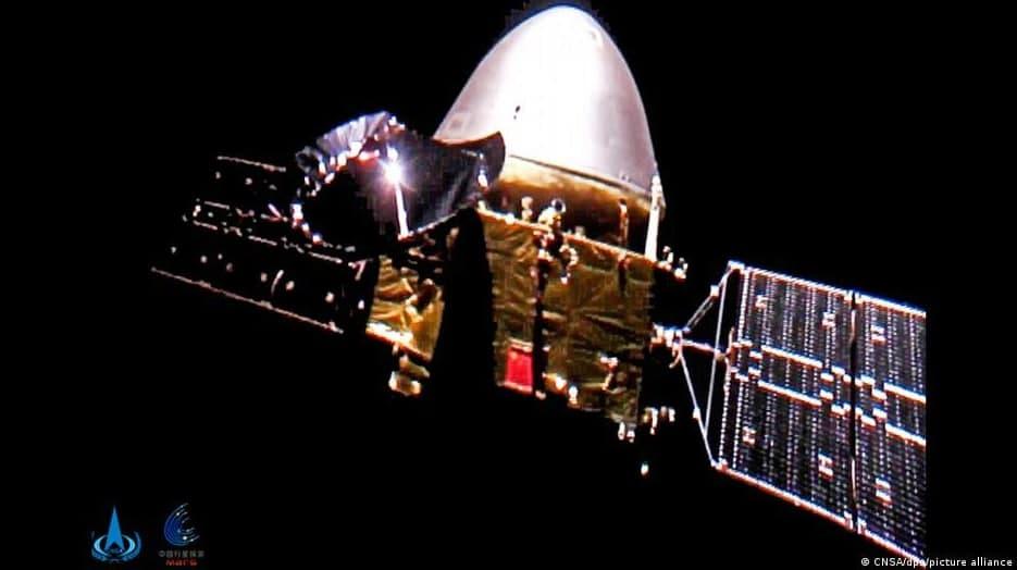 Хитой космик зонди Марс орбитасига чиқди